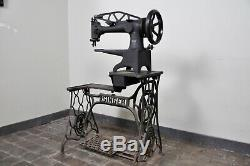 1900's Antique Singer 29-4 Industrial Cylinder Arm Leather Sewing Machine