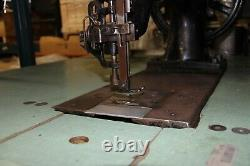 7-33, SEWING MACHINE FOR EXTRA HEAVY SEWING withtable, Singer Original