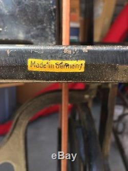 Adler 30-1 Industrial Leather, Vinyl Sewing Machine