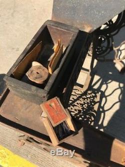 Antique SINGER 29K51 Sewing Machine Shoe Industrial Cobbler Leather Treadle