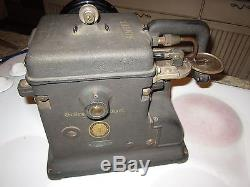 Antique SINGER Sewing Machine Fur Taxidermy Leather Glove Industrial 176 33