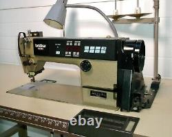 BROTHER Industrial Sewing Machine, Exedra E-40 Mark II DB2-B737-413, withTable