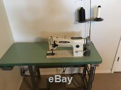 Consew 206rb-4 Walking Foot Big Bobbin 110v Leather Industrial Sewing Machine