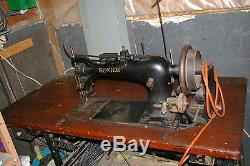 INDUSTRIAL MECHANICAL SINGER 7 Class 7-9, Extra Heavy Duty Sewing Machine