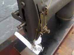 Industrial Sewing Machine Singer 245-4 single needle with edge cutter