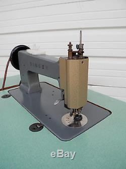 Industrial Singer 114E103 Chain Stitch Embroidery Sewing Machine with Motor, Table