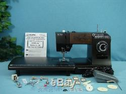 Industrial Strength Toyota Sewing Machine Sews 1/4'' Leather & Upholstery, Tarps