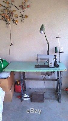 Industrial Vintage The Singer Manufacturing Co 600Wi Sewing Machine Ducra Table