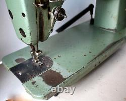 Lot SINGER 281-5 COLUMBIA 420-2 CONSEW 220 Machine Head Only (One Head)