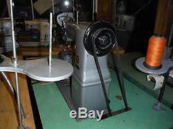 Post Singer 138G101 2 Needle Post Leather Sewing Machine W Binding Attachment