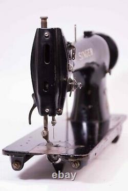 SINGER 1300-2 Industrial Sewing Machine