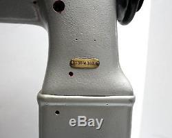 SINGER 138W101 Needle Feed Post Bed 2-Needle 3/8Gauge Industrial Sewing Machine