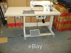 SINGER 191D-30 SINGLE NEEDLE INDUSTRIAL SEWING MACHINE With TABLE AND 110 V MOTOR
