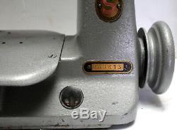 SINGER 240K13 Chainstitch 1-Needle 1-Thread Industrial Sewing Machine Head Only
