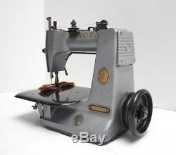 SINGER 240K13 Chainstitch 1-Needle 1-Thread Industrial Sewing Machine Head Only