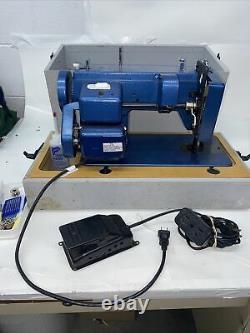 Sailrite Ultrafeed Zigzag Model No. LSZ-1 Portable Sewing Machine & Case, Read