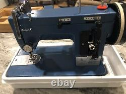 Sailrite Ultrafeed Zigzag Model No. LSZ-1 Portable Sewing Machine With Base/Case
