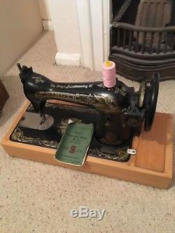 Semi industrial vintage singer sewing machine, electric, heavy duty