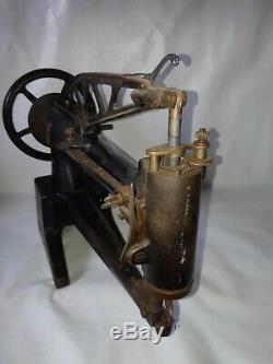 Singer 29K33 Leather cobbler Industrial sewing machine long arm