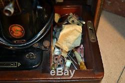 Singer 99k Semi Industrial Electric Sewing Machine with Case Heavy Duty