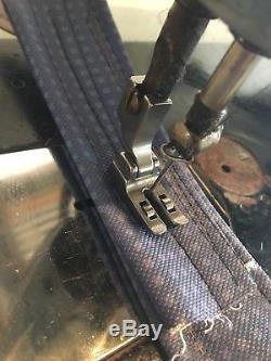 Singer Heavy Duty Industrial Sewing Machine