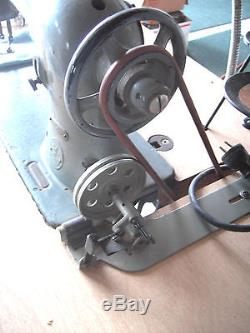 Singer Industrial Sewing Machine Antique 1921 Model 31-15 Complete withStand Motor