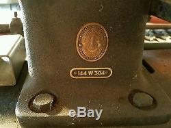 Singer Long Arm Walking Foot 30 144W304 Industrial Leather Sewing Machine Used