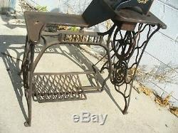 Singer Sewing Machine 29k 29k70 Ed326651 1945 Shoe Patch 12 Free Arm Working