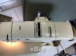 Swiss Bernina 730 Heavy Duty Sewing Machine Zig Zag Ornamental Stitch Accessorie