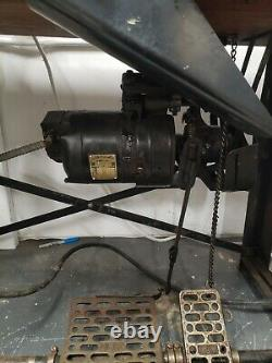 Union Special 52900 BH Chainstitch Vintage Industrial Sewing Machine