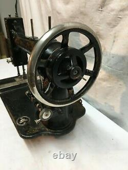 VINTAGE ANTIQUE 1900s WHITE CAST IRON INDUSTRIAL SEWING MACHINE HEAD ONLY