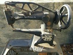 VINTAGE SINGER 29-4 INDUSTRIAL COBBLER LEATHER TREADLE SEWING MACHINE WithSTAND