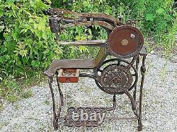 Victorian Antique Rare Dandy Industrial Iron Ornate Sewing Machine Dandy