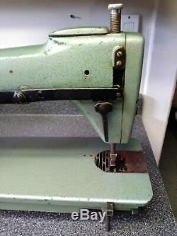 Vintage Consew 220 Industrial Sewing Machine. For Leather/Upholstery