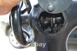 Vintage Industrial Singer 17-23 leather Sewing Machine for parts or restoring