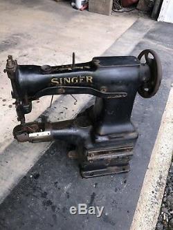 Vintage Industrial Singer Sewing Machine 45w2