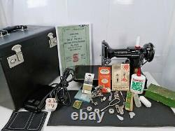 Vintage Singer 221k Featherweight Electric Sewing Machine, Fully Serviced