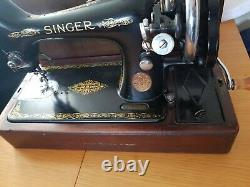 Vintage Singer 99K Hand Crank Sewing Machine Bentwood Case and Accessories