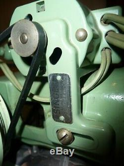 Vintage Singer Decorative Home /Industrial Sewing Machine 185J (Green)